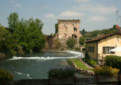The morainic hills of the upper Mincio: Borghetto and the Sigurtà garden park